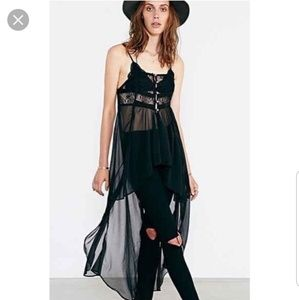 Kimchi Blue by Urban Outfitters H/low sheer nwt S